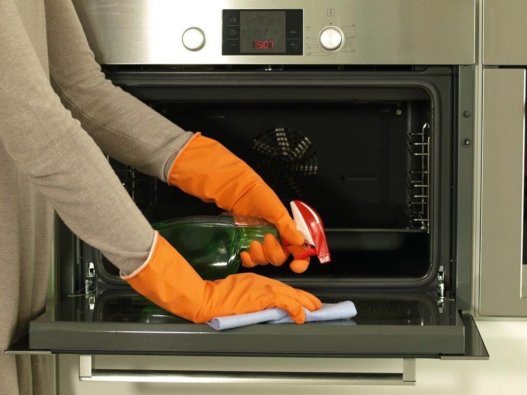 como limpiar horno casa